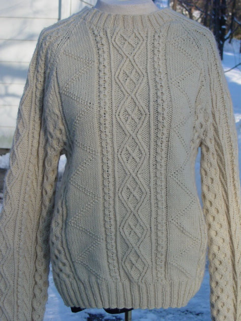 Aran pullover in off-white